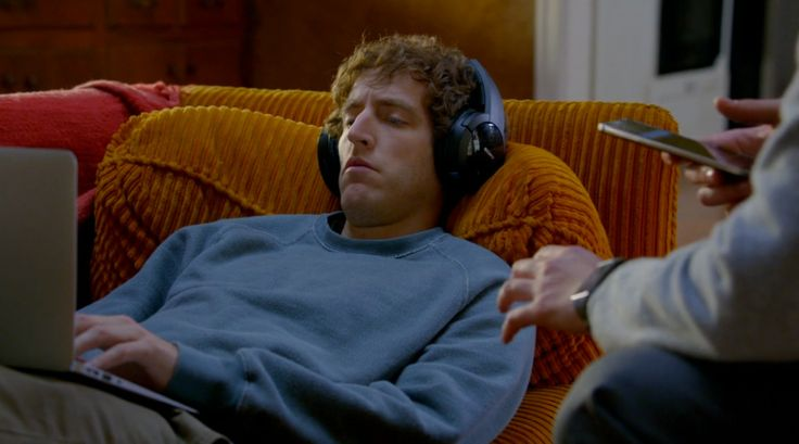 Sony MDR-RF865RK headphones worn by Thomas Middleditch in SILICON VALLEY: SIGNALING RISK (2014) @Sony Electronics