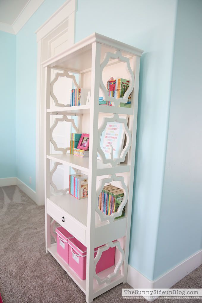 Pink and Aqua Blue Preteen Girl's Bedroom January 18, 2017 by Erin 18 Comments