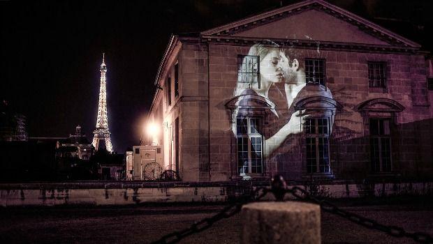 En lo más fffres.co: El artista que proyectó 100 parejas besándose en los edificios de París: Arrancamos la semana con un… #Street_Art