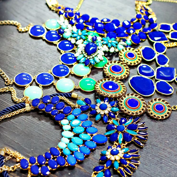 Super cute site for statement necklaces!