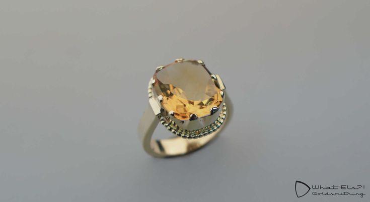 Een gouden ring met Citrien, gemaakt van het oude goud van de klant. Een Koninklijk stuk