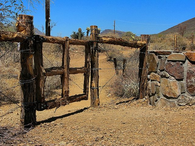 Spear S Ranch Gate - Maricopa Trail - Cave Creek by Al_HikesAZ, via Flickr