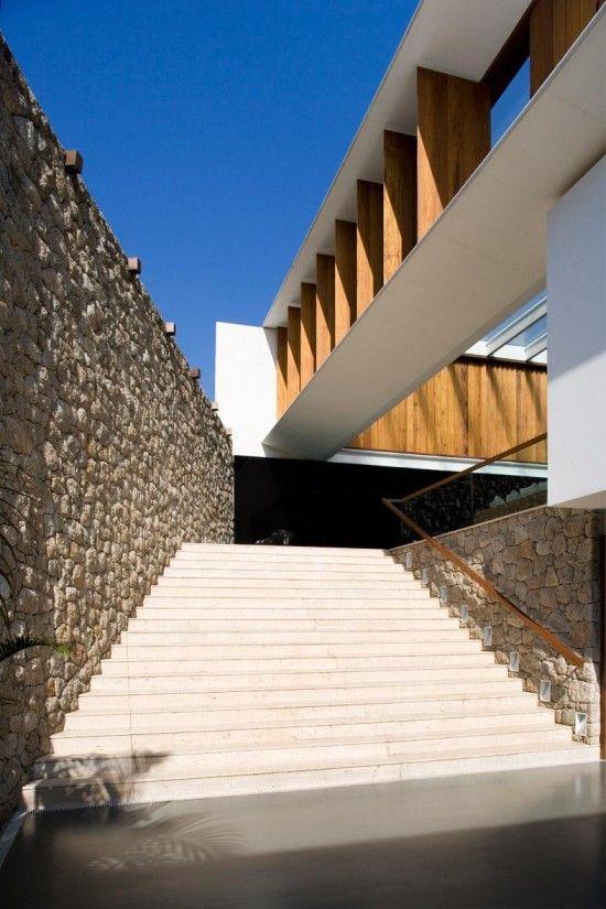 JH House by Bernardes + Jacobsen