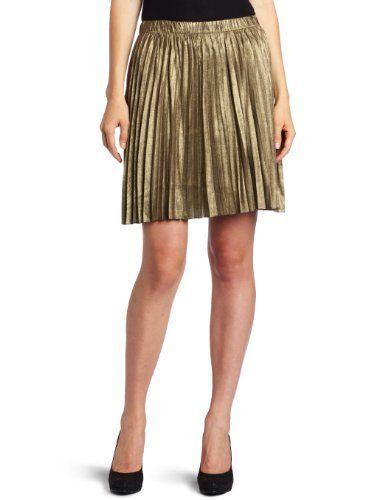 BB Dakota Juniors Flora Skirt BB Dakota. $20.34. Elastic waistband. 70% Polyester/30% Rayon. Relaxed accordion pleats in a flouncy silhouette fest up any fete in BB Dakota's Flora skirt.. Hand Wash