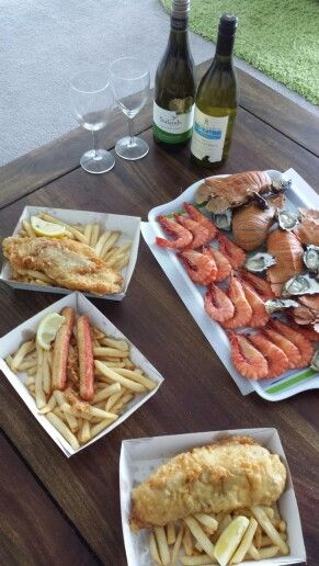 Lunch from Petes Seafood  the best and fresh seafood on the Gold Coast Australia with New Zealand Yealands and West Australian Crittenden & co Sauvignon Blanc great lunch...