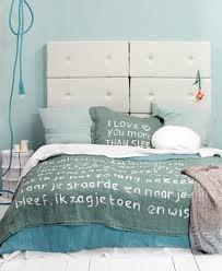 Deze kleur blauw wil Lizelotte op de muur. De rest vd kleurstelling is leuk om door te voeren in de assecoires