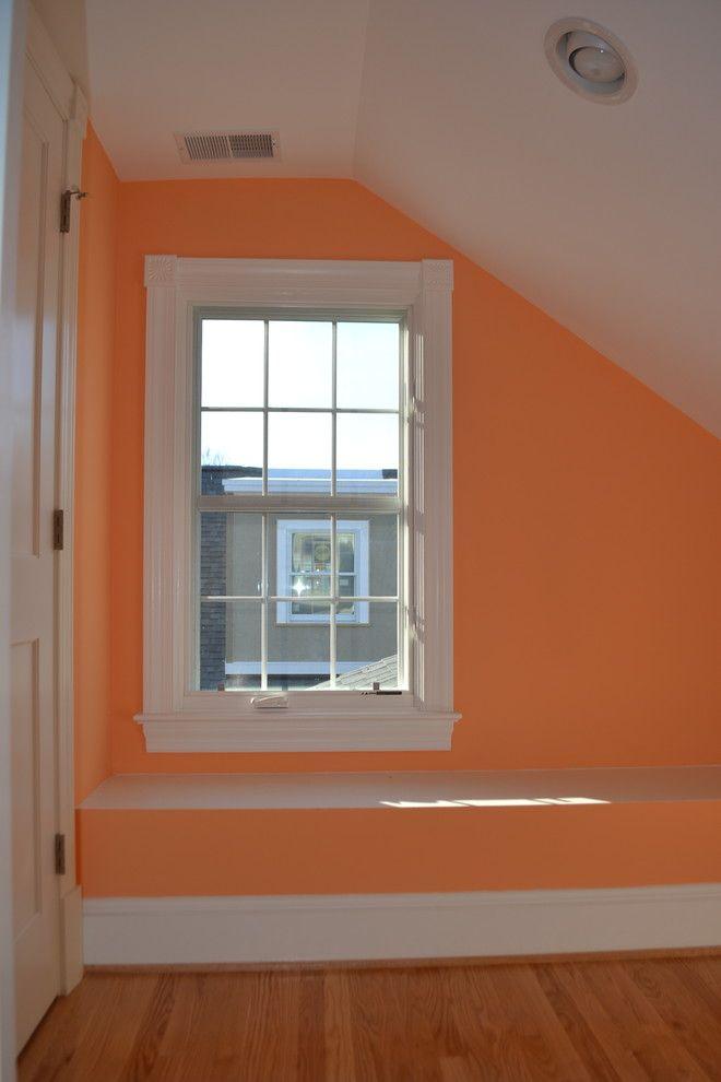 Белые окна с наличниками
