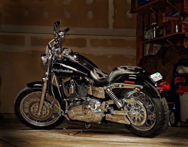 Harley Dyna Super Glide Custom