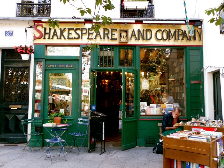 Shakespeare and Company my favorite bookstore in Paris!