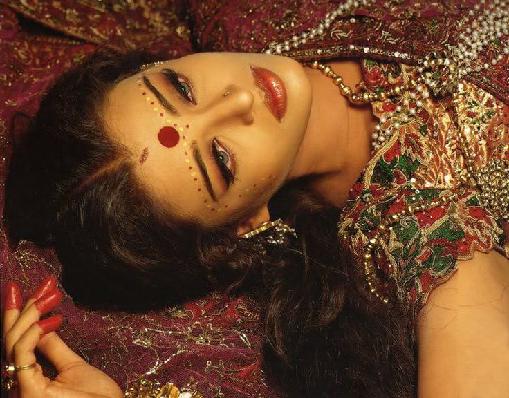 Aishwarya Rai in Devdas... just love her make up!