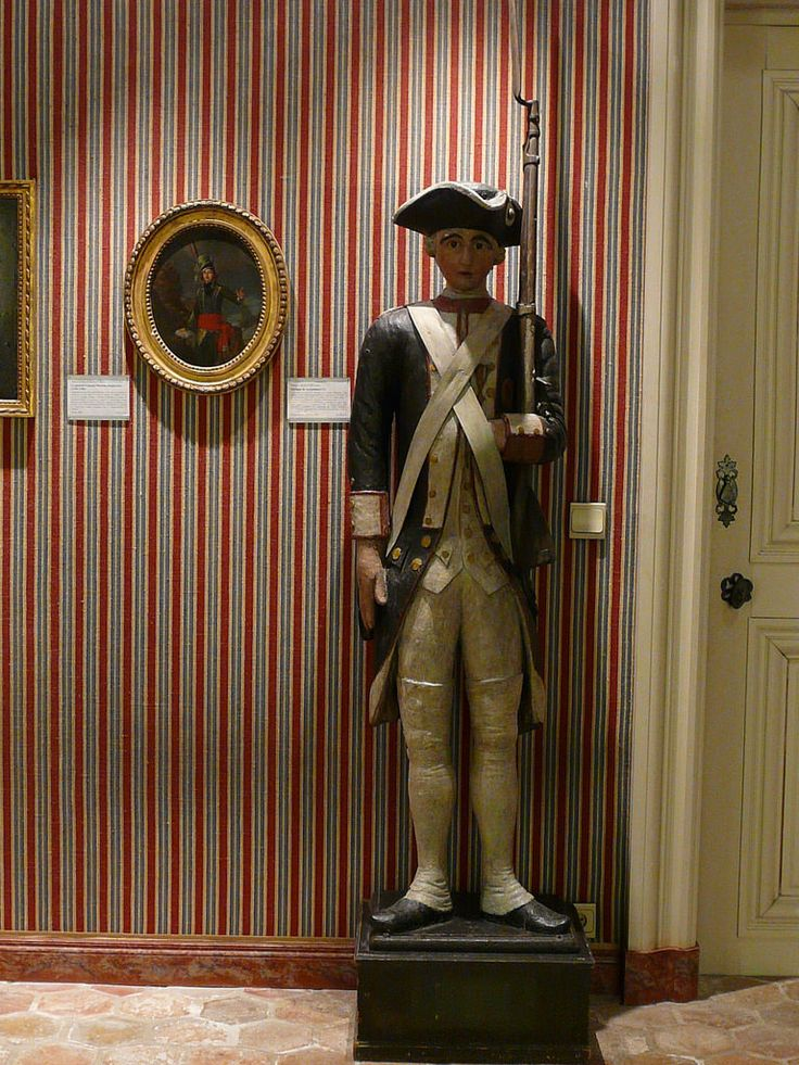 "FRANCE 18e - Enseigne de Recrutement (Carnavalet) - Détail 1  -  TAGS / art sculptor sculpteur details détail détails detalles sculpture sculptures 18th 18e ""sculpture 18e"" ""18th-century sculptures"" ""18th century"" ""details of sculpture"" ""details of sculptures""  Carnavalet Museum France Paris Bois wood décoration award médaille medal régiment regiment nation homeland country patrie soldat soldier ""garde française"" armée military army uniforme uniform"