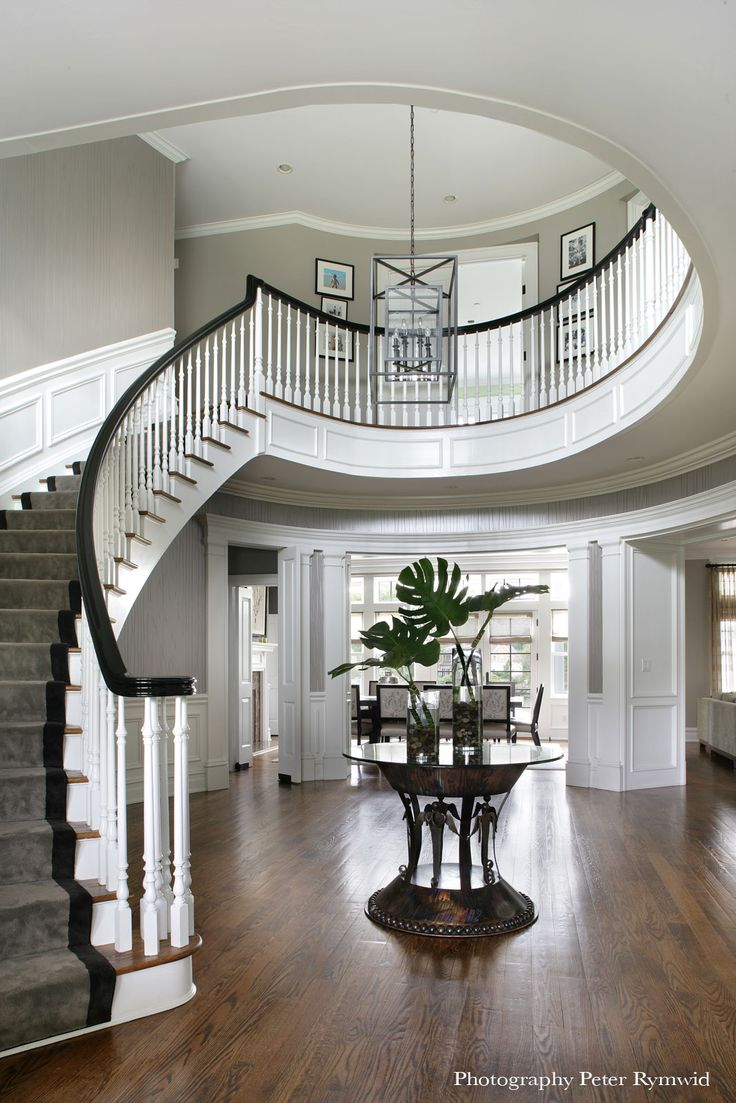 Best 20 foyer staircase ideas on pinterest beach style for Round staircase designs interior