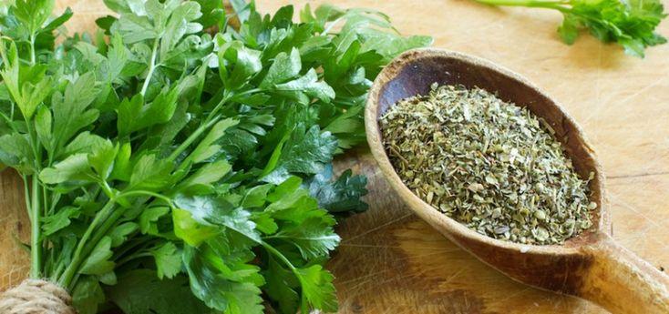 Lábdagadásra az egyik leghatékonyabb a petrezselyem tea - Egészségtér - Természetes egészség
