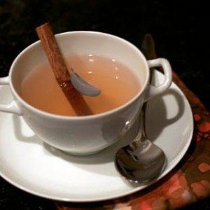 herbatka odchudzajaca z cynamonem i lisciem laurowym