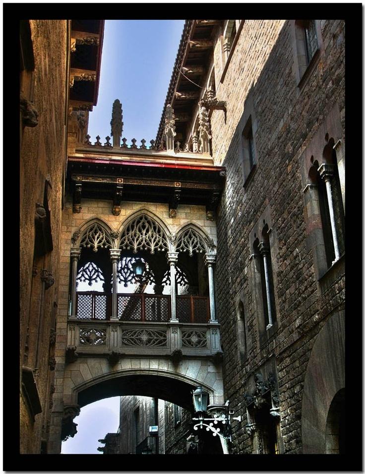 Barcelone, calle Bisbe,  Barrio Gótico