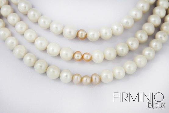 #Girocollo in #perle di fiume bianche e rosa, con gancio in #argento 925 - dettaglio. #necklace with white and pink #pearls of river and #silver hook - detail. $240