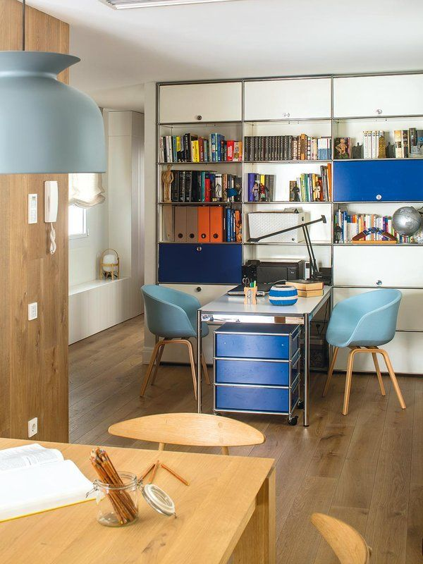 Acest apartament dintr-o clădire construită în anii '50 din Barcelona era compus din multe camere mici și înghesuite. Designerul Meri...