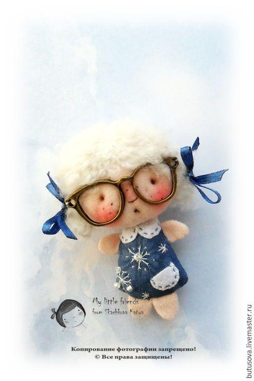 Миниатюрная кукла. БРОШЬ. - разноцветный, брошь, миниатюрная кукла, куколка в кармашек