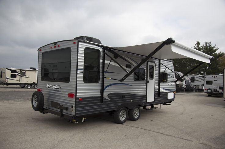 "PERFECT RV TO SATISFY YOUR WANDERLUST!  2017 Keystone Summerland 2020QB Go explore the great outdoors with everything you need to enjoy comfortable, peaceful living under the stars. This great 24' 10"", 4,345 lb. (dry) Keystone travel trailer is equipped with a plush queen bed, full bathroom, well-equipped kitchen, and a large U-shaped dinette. Don't delay, go RVing today! Give our Summerland expert Jay Grace a call 231-903-6220 for pricing and more information."