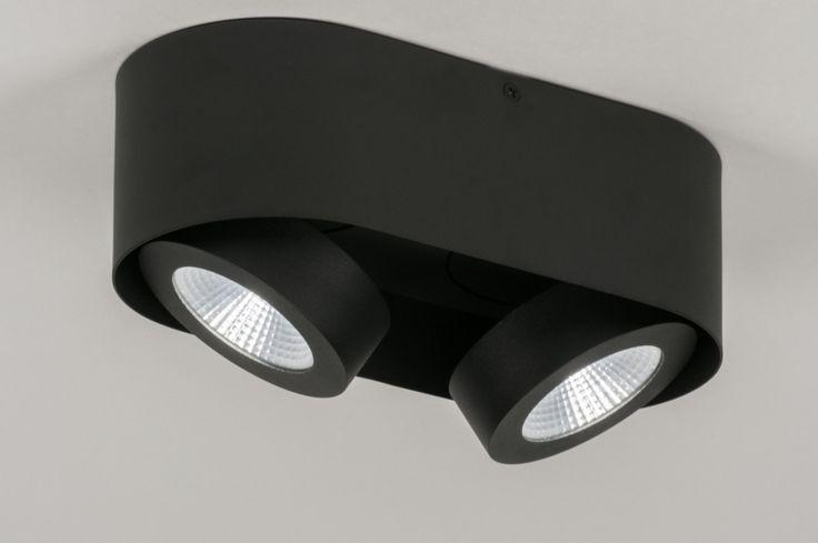 25 beste idee n over zwart plafond op pinterest honingraat tegel douche ruimtes en badkamers - Plafond geverfd zwart ...