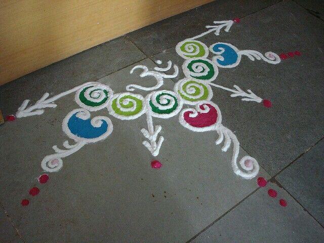 24 best rangoli borders images on pinterest rangoli for Door rangoli design images