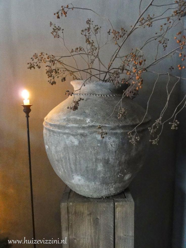 Oude waterpot. www.huizevizzini.nl