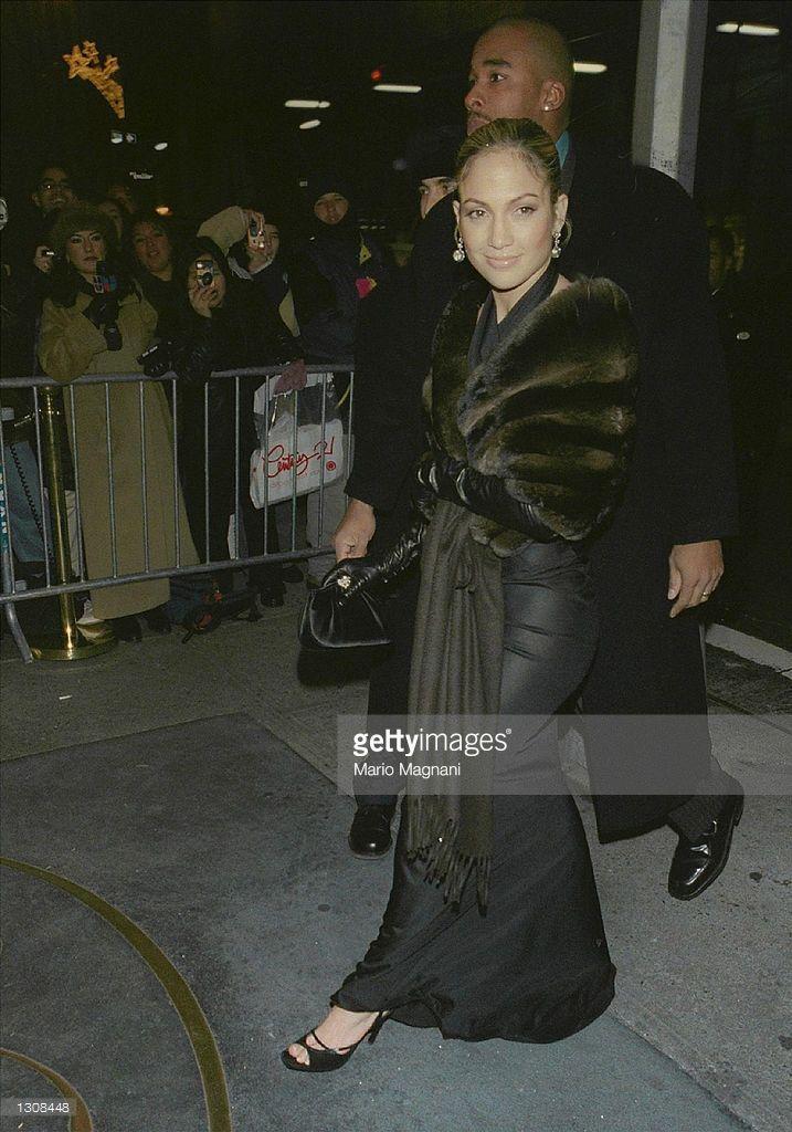 Jennifer Lopez arrives for Tommy Mottola''s wedding December 2, 2000 at The Regency Hotel in New York City.