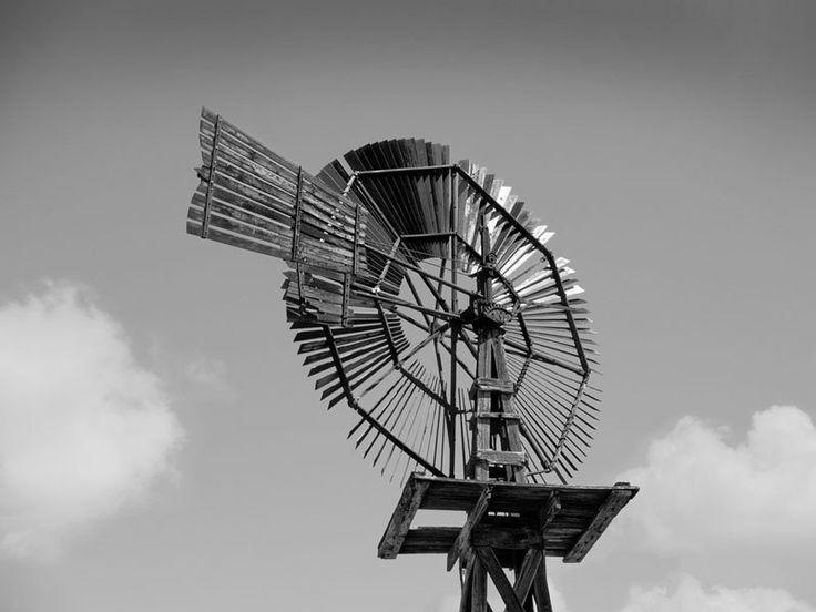 Wooden Windmill - Pecos, Texas (_1011489)