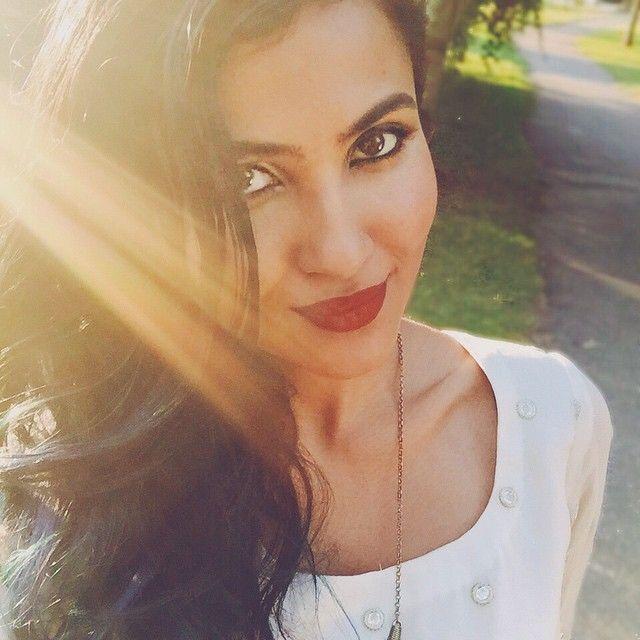 Vidya Iyer - AKA Vidya Vox - Amazing Singer English/Indian Fusion