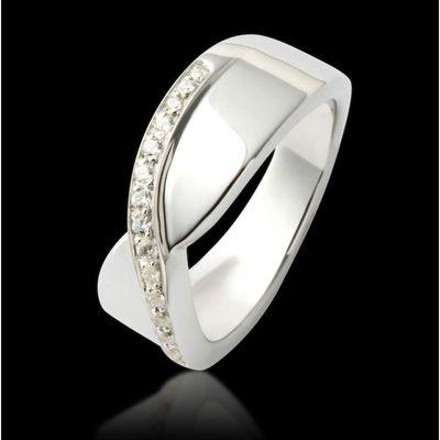 Alliance Eternelle or blanc 18K pavage diamant #bague #alliance #mariage #diamant #OrBlanc #joaillerie #BijouxFemme #JaubaletParis