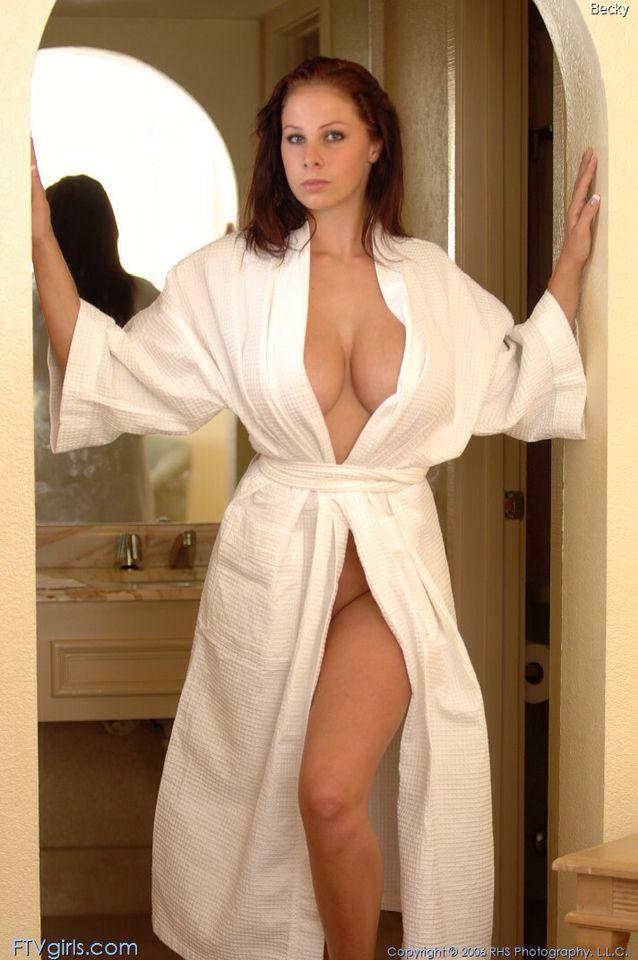 замечено, халат на голое тело смотреть онлайн фотографии