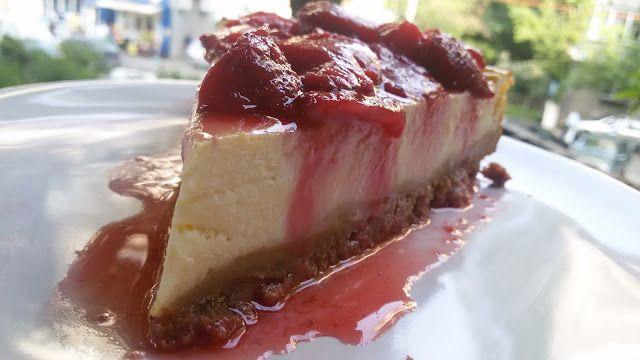 Gâză's Kitchen: Cheesecake cu ricotta și topping de căpșuni