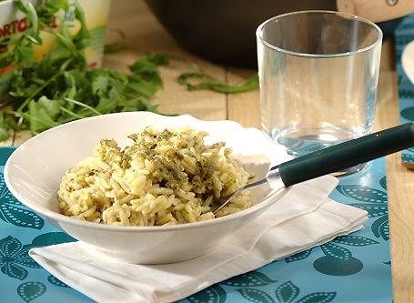 Μανέστρα με πέστο μαϊντανού και ρόκας - Συνταγές | γαστρονόμος