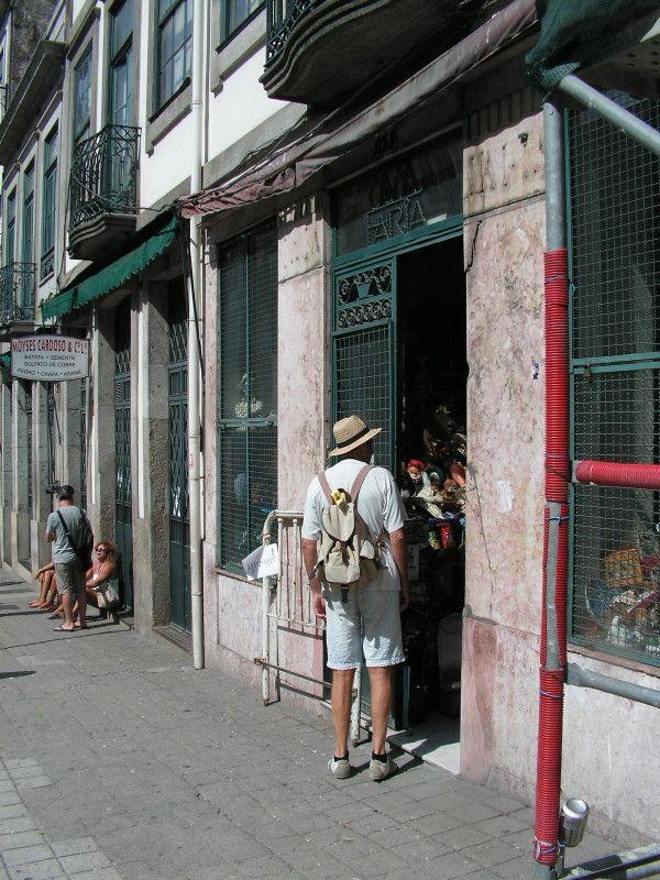 * wunderkammer *: Una peculiar tienda de antigüedades en Oporto /// Eine schrulliges Antiquitätengeschäft in Oporto /// A quirky antique shop in Oporto