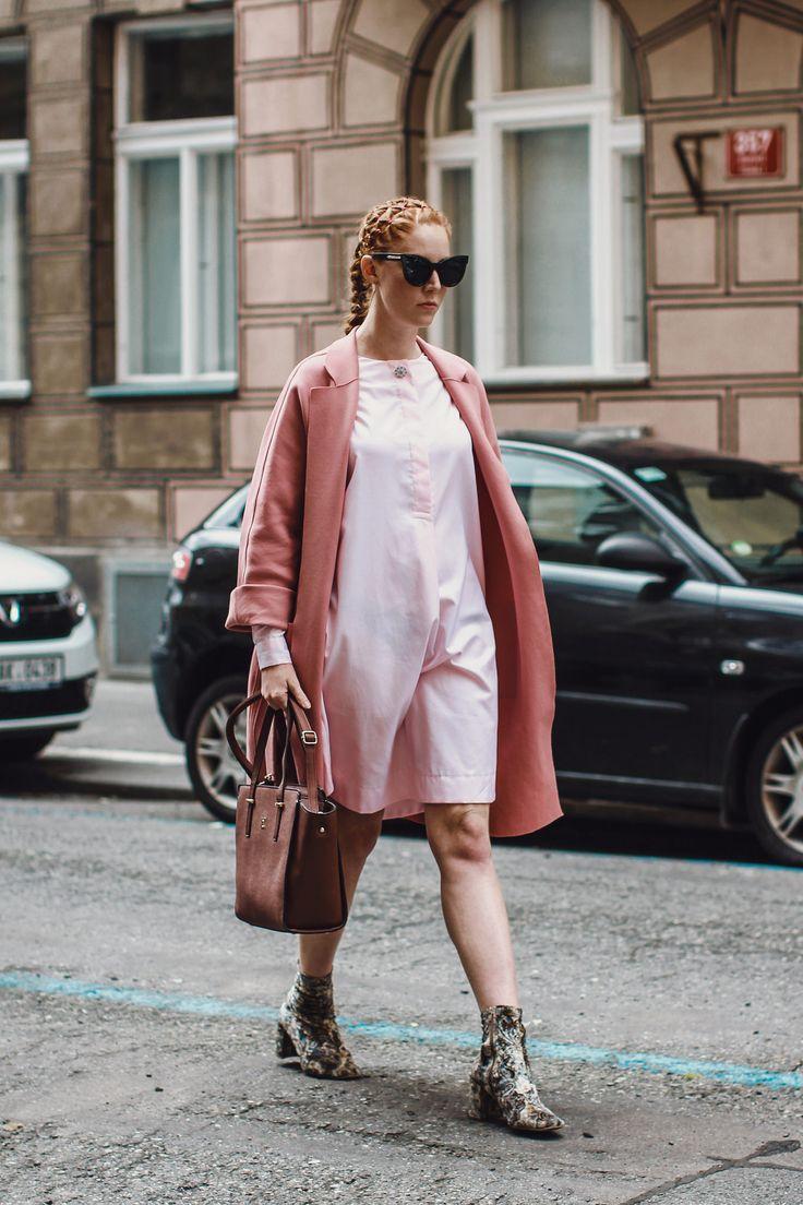 Coat, dress/ Jaroslava Jindrakova bag/Esoria shoes/Stores NYC