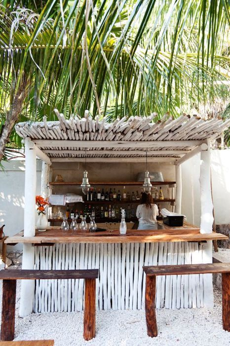 Tiki Bar Outdoors : outdoor tiki hut  Margaritaville Tiki Bar Ideas  Pinterest