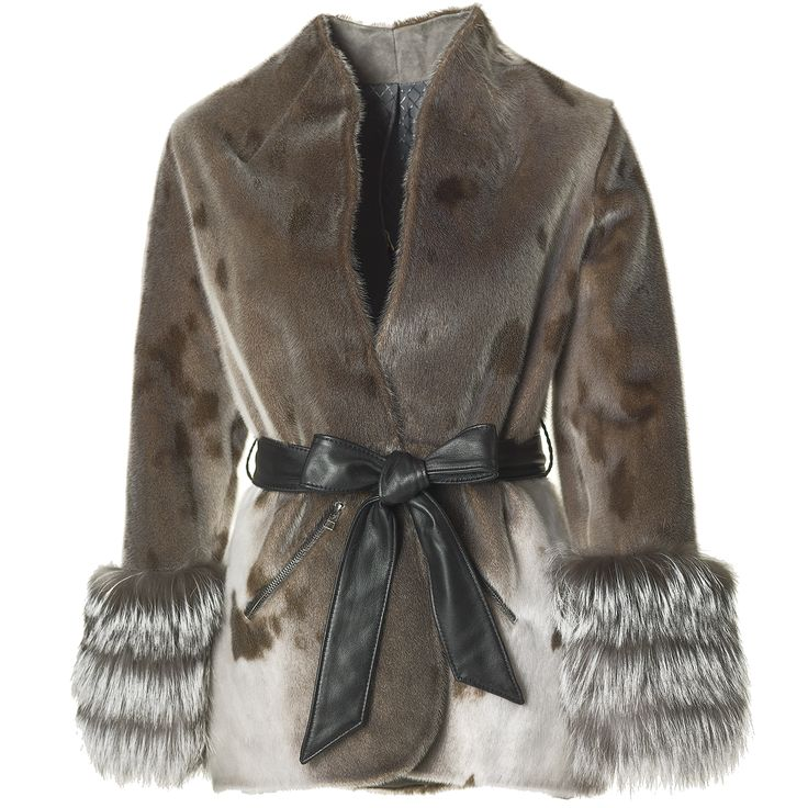 We are delighted to inform that you can find this beautiful Jesper Høvring x Great Greenland seal skin collection AW16 in Kopenhagen Fur's showroom