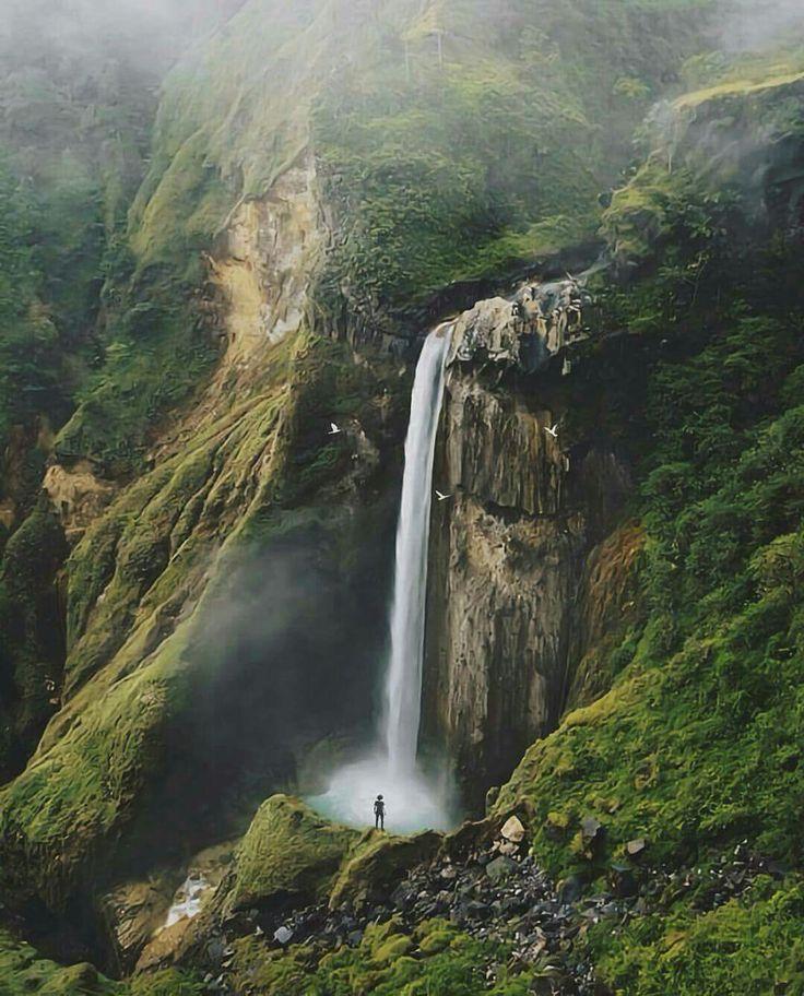 Penimbungan waterfall, Lombok.   Abraham yusuf