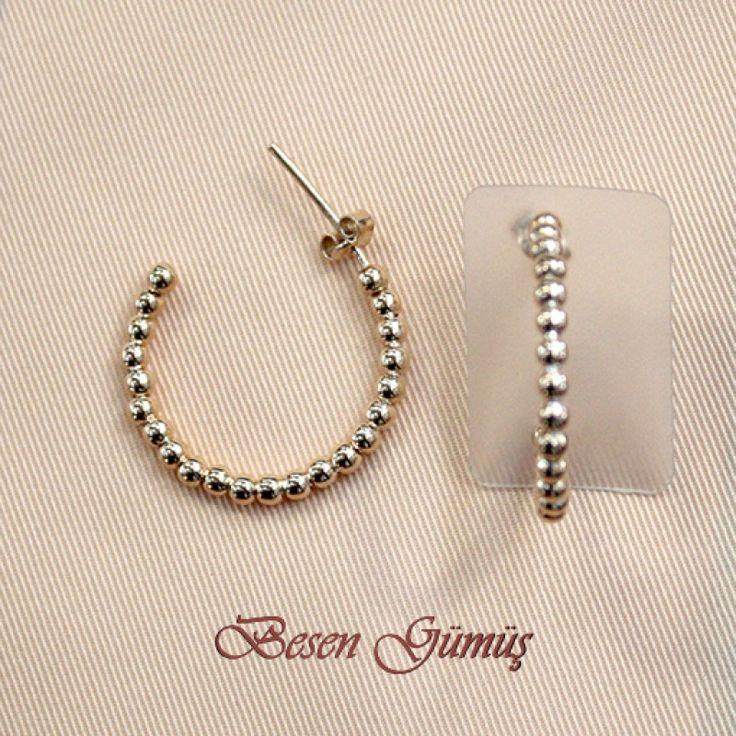 Toplu Yuvarlak Küpe  Fiyat : 64.00 TL  SİPARİŞ için www.besengumus.com www.besensilver.com  İLETİŞİM için Whatsapp : 0 544 641 89 77 Mağaza     : 0 262 331 01 70  Maden         : 925 Ayar Gümüş  Taş                : Taşsız Kaplama      : Rose   Besen Gümüş  #besen #gümüş #takı #aksesuar #topküpe #yuvarlakküpe #iştebenimstilim #kadınküpe #gümüşküpe #izmit #kocaeli #istanbul #izmitçarşı #sinop #ankara #bursa #izmir #onlinealışveriş #alışveriş