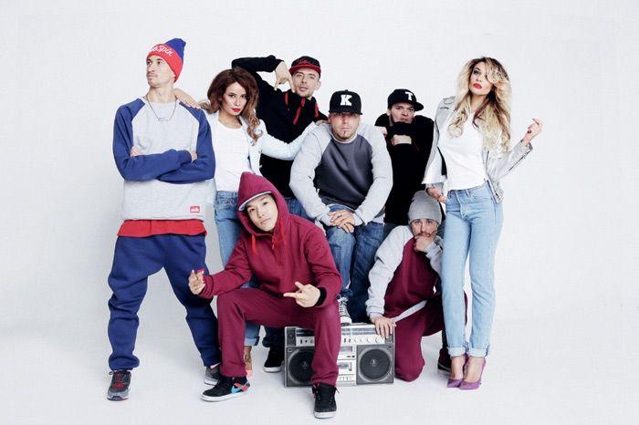 Как одеться в стиле хип-хоперов из девяностых?
