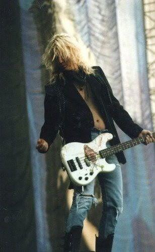 Duff McKagan @ Pay Per View show in Paris 1992