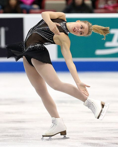 Ashley Wagner Photos - Ashley Wagner of the USA performs during the ladies short program of day two at Skate America at Joe Louis Arena on October 19, 2013 in Detroit, Michigan. - Skate America - Day Two