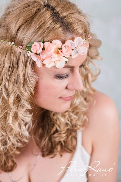 Haarbänder - Blumenband Hortensia,Röschen Blüten Kranz D8 - ein Designerstück von Perle-Wismer bei DaWanda