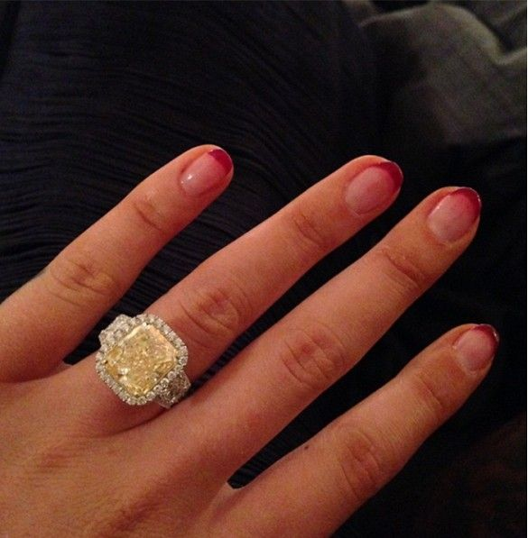 Check out Iggy Azalea's 8.15-carat engagement ring