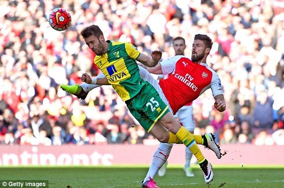 Arsenal 1-0 Norwich City RESULT: Follow the action as it happens | Daily Mail Online