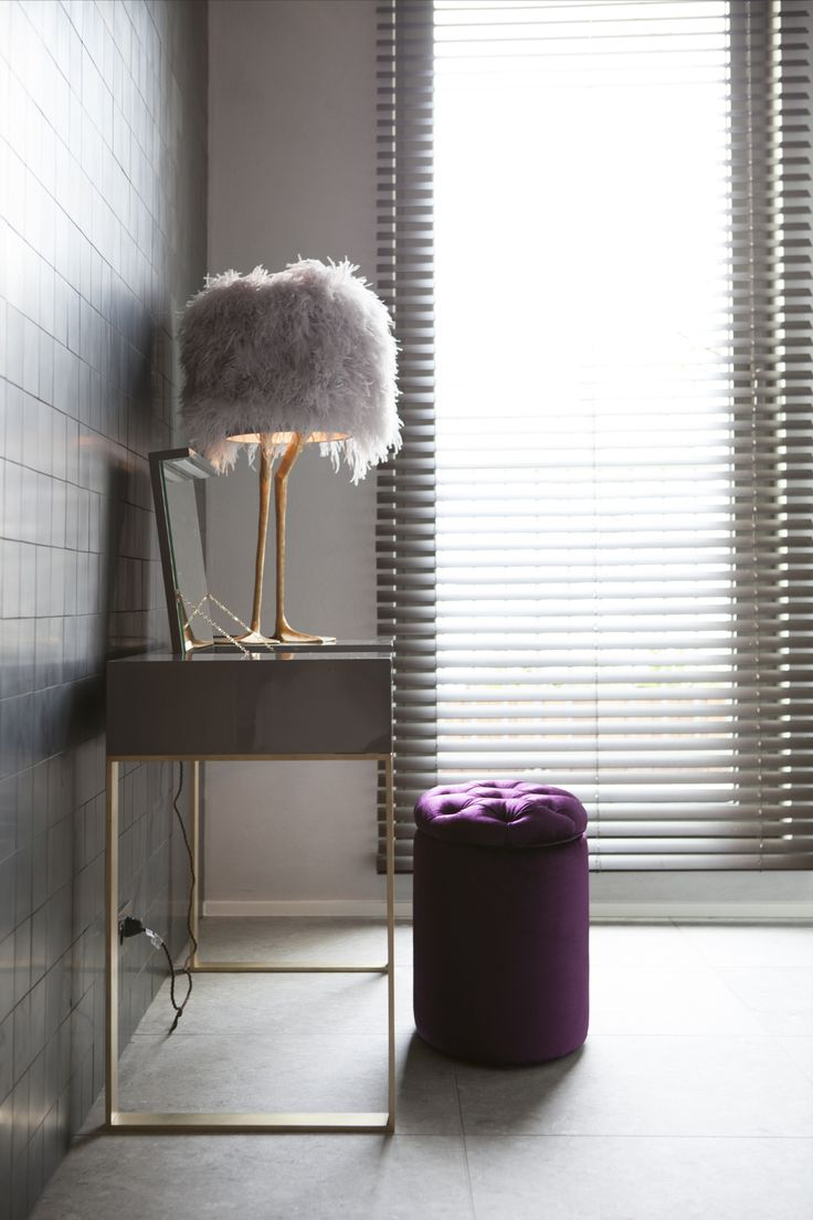 Byron & Jones Interiors - Grey - Make up table - Velvet - Jaloezie - Messing