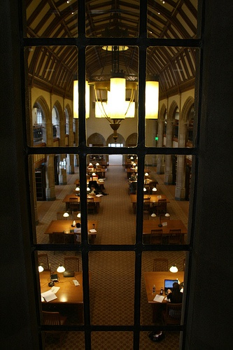 There's something about table lamps that create the best atmosphere for studying.  The Kresge Law Library at Notre Dame