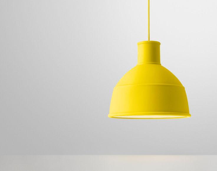 Závěsná lampa Muuto Unfold, žlutá | DesignVille