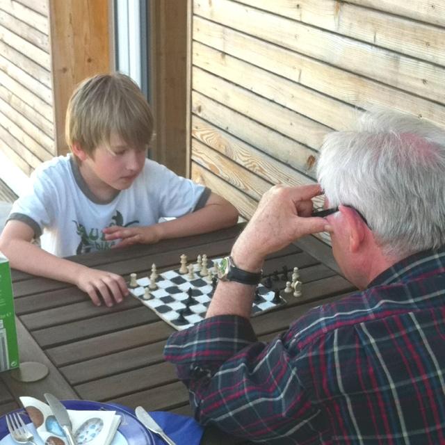 2 Generationen beim Schach, Altersunterschied 63 Jahre: 63 Jahre, Beim Schach, Generationen Beim, Altersunterschied 63