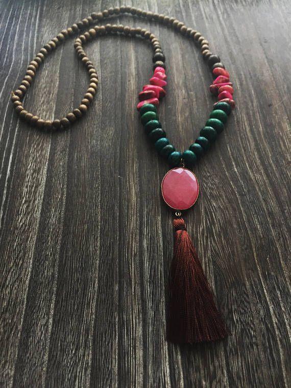 Lunghe Collane Boho con legno pietre e nappine in seta